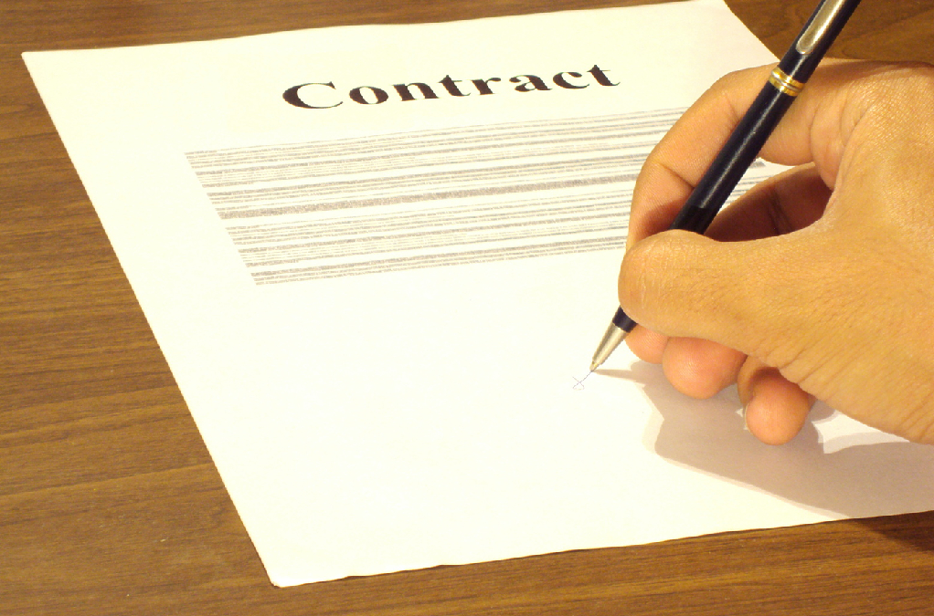Contract Negotiation Tips for Physicians