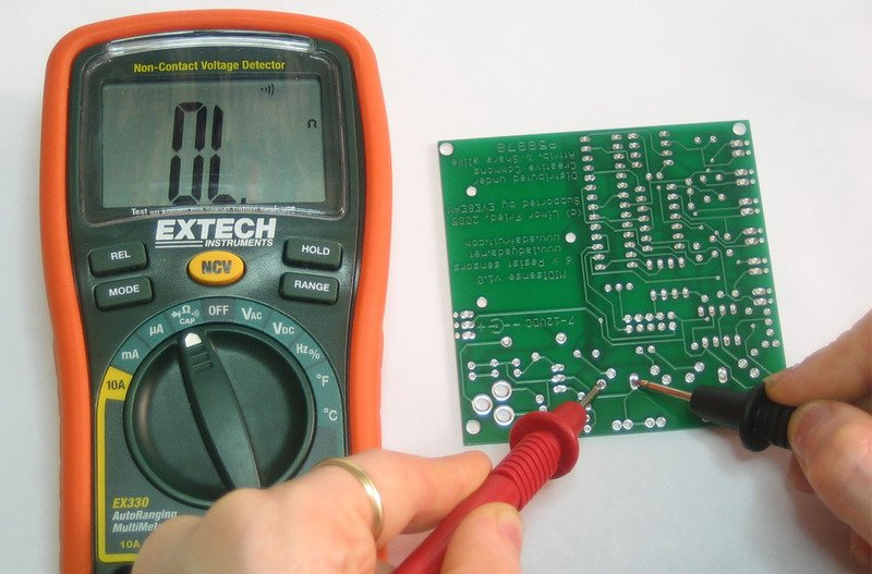Looking To Buy A Voltage And Continuity Tester? Here Is What You Should Consider